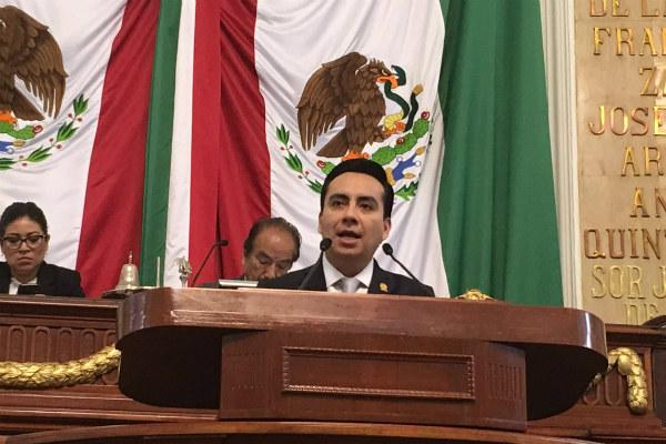 """En 2010, recordó, a la estación Viveros se le agregó la nominación """"Derechos humanos"""" por su cercanía a las oficinas de la Comisión de Derechos Humanos local."""