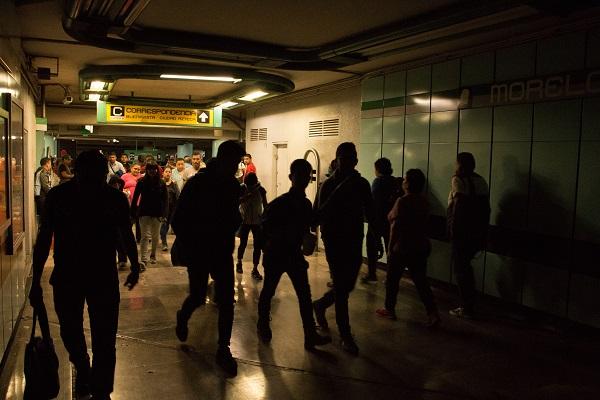 De acuerdo con datos de la Encuesta Nacional de Victimización y Percepción sobre Seguridad Pública 2016 (Envipe), 81.4 por ciento de las mujeres capitalinas se siente insegura de vivir o de transitar en la Ciudad de México. Foto: Cuartoscuro