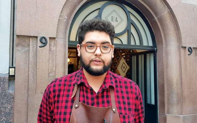 AMIGO. Uriel Soto, de Cancino Alameda, asegura que se suman a la idea con gusto. Foto: Lizeth Gómez / El Heraldo de México.