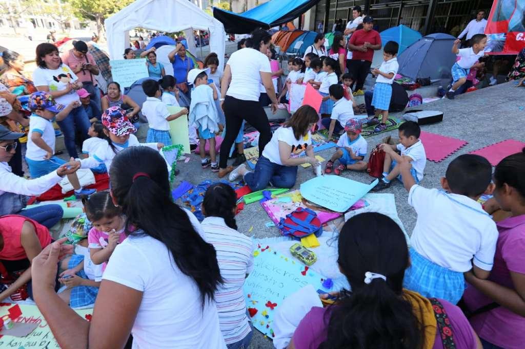 La directora denunció que el plantel no se encuentra enlistado como escuelas dañadas para recibir apoyo de reconstrucción. Foto: Jeny Pascacio