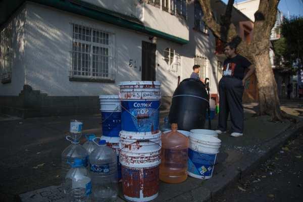 El grupo estimó que la normalización del servicio de agua potable, en su totalidad será durante la noche. Foto: Archivo | Cuartoscuro