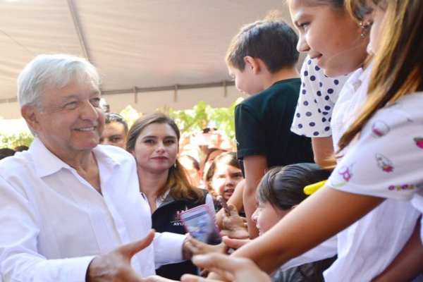 "López Obrador pondrá en marcha elprograma ""Sembrando Vida"". Foto:@AispuroDurango"