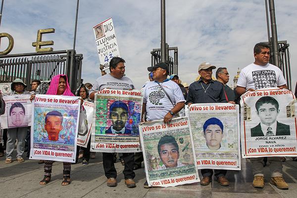 El documental cuenta con dos episodios, el primero relata los eventos que derivaron en la desaparición de los 43 estudiantes.  FOTO: NOTIMEX