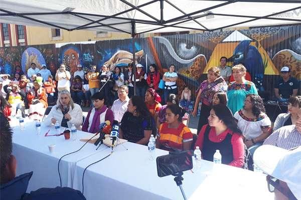 Los representantes exigieron que se cumpla con el compromiso que hizo el 1 de diciembre cuando expresó que darían más recursos a la estancias infantiles. FOTO: ESPECIAL