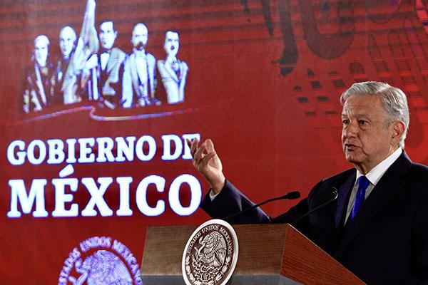 López Obrador dijo que algunas firmas extranjeras incumplieron contratos