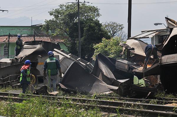 Días después del accidente, Ferromex-Ferrosur señaló en un evento relevante en la Bolsa Mexicana de Valores que el siniestro tuvo un impacto de alrededor de 130 millones de pesos en ventas perdidas. FOTO: CUARTOSCURO