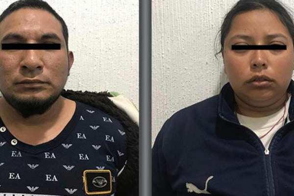 """Los detenidos fueron identificados como Rutilio """"N"""", de 34 años de edad y Karla Magdalena """"N"""", de 25 años. Foto: FGJ Edomex"""