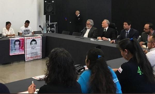 Hoy se realizó la primera reunión de la Comisión para la Verdad y Acceso a la Justicia para el caso Ayotzinapa. Foto: Especial