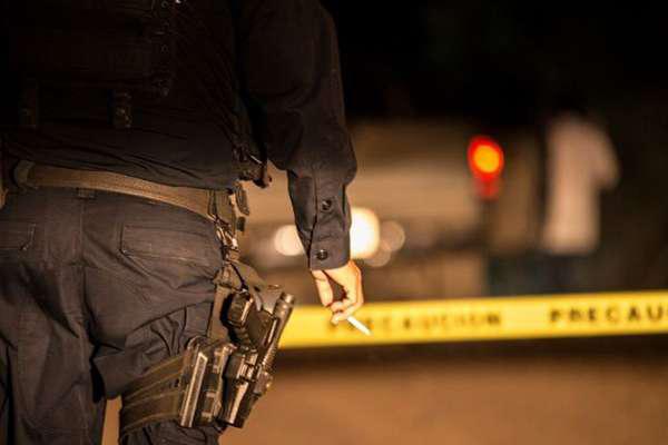 Posteriormente la fiscalía continuó los trabajos de investigación e inteligencia en el lugar donde mantuvieron cautivas a las personas. FOTO: ESPECIAL
