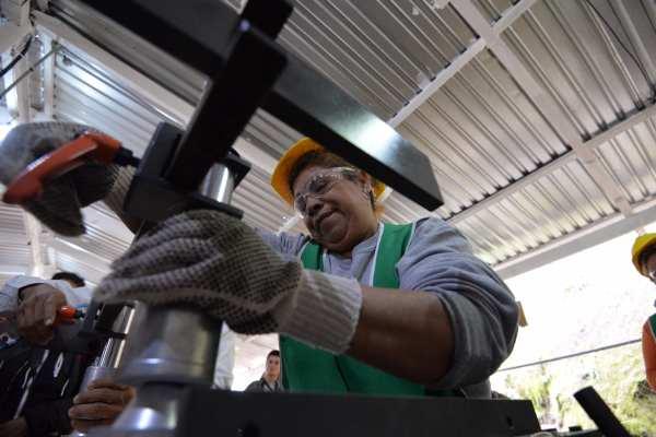 De forma anual y con cifras originales, la producción industrial creció apenas 0.2 por ciento. Foto: Archivo | Cuartoscuro