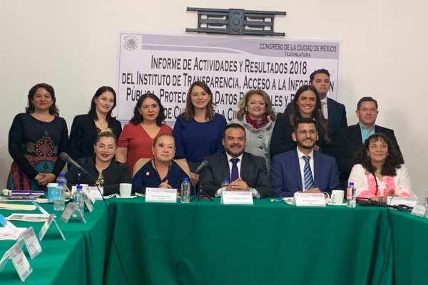 Bonilla encabezó la presentación del informe anual 2018ante la Comisión de Transparencia y Acceso a la Información del Congreso. Foto:@InfoCdMex