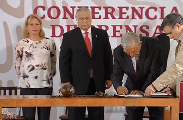 López Obrador anunció el cierre del Colonia Penal Federal Islas Marías, para convertirse en un centro para las artes, la cultura y el conocimiento del medio ambiente. FOTO: TWITTER