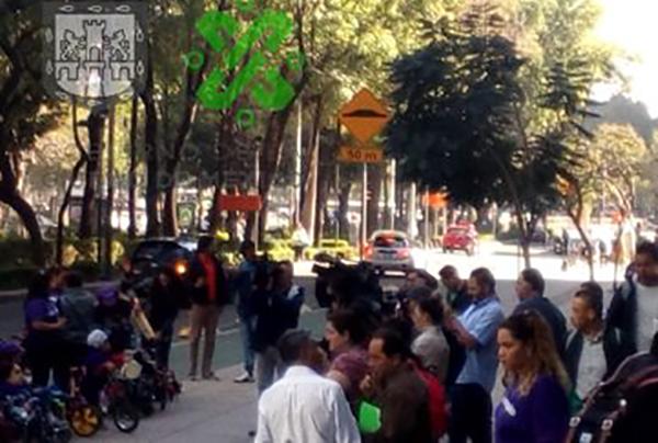 A través de la cuenta de Twitter, elCentro de Información Vial de la Secretaría de Seguridad Ciudadana de la Ciudad de México, recomendó a los automovilistas tomar precauciones en la zona.FOTO: OVIAL