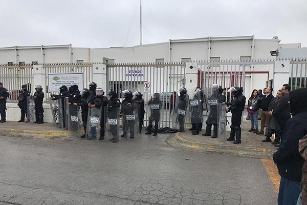 La empresa solicitó la intervención de la Policía Estatal para que retirara a los huelguistas, luego de que la Junta Local de Conciliación y Arbitraje emitiera el fallo.