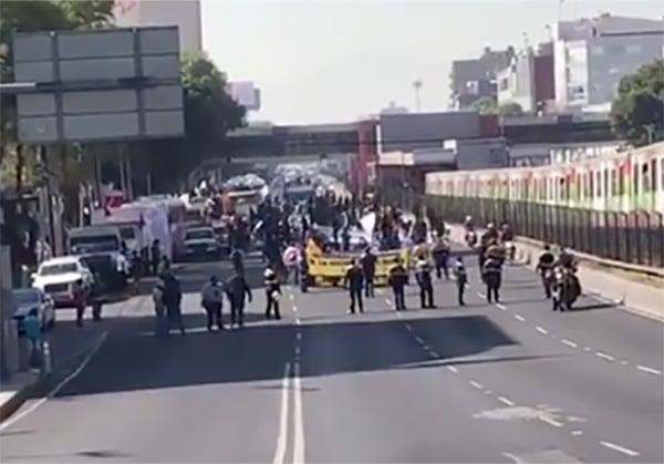 Alrededor de mil 500 integrantes del Frente son los que se movilizan por las avenidas de la Ciudad de México. FOTO: ESPECIAL