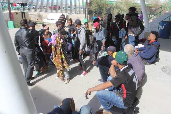 La tercer caravana migrante no pudo ingresar a México. Foto: Cuartoscuro