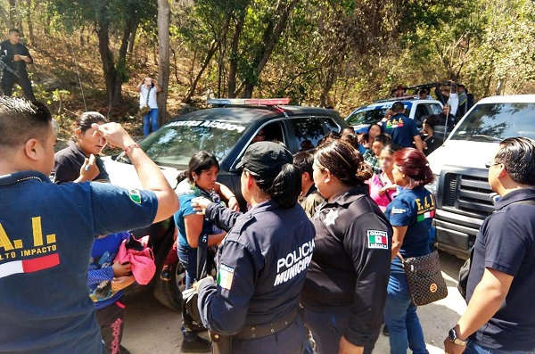 personas ingresaron a territorio mexicano por la frontera con el municipio de Comalapa, Chiapas. Foto: Especial