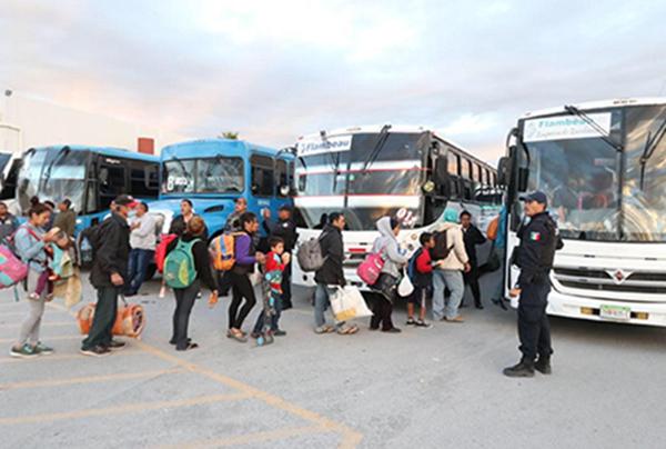 El gobierno de Coahuila informó que continúa con la máxima seguridad a la caravana de migrantes. FOTO: NOTIMEX
