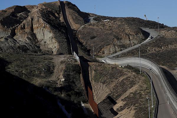 muro_fronterizo_1