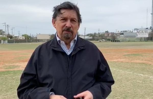 Antes, Gómez Urrutia visitó el campo de Béisbol del Sindicato para hacer un pronunciamiento y al cual tuvo acceso El Heraldo de México en su versión completa. FOTO: ESPECIAL
