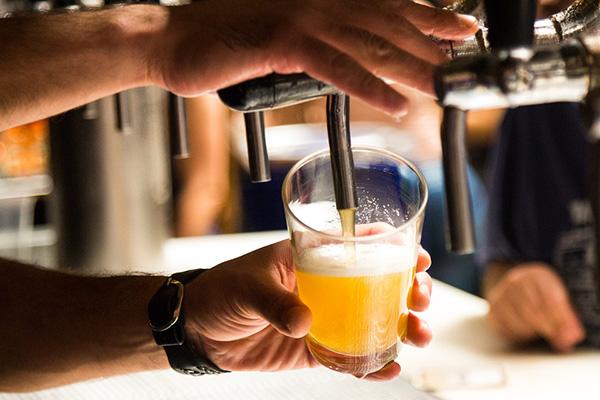 Para este día del amor y la amistad el grupo, Cerveza Modelo te da una radiografía de tres cervezas. FOTO: ESPECIAL