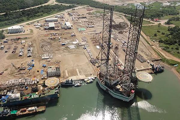 En una solicitud de acceso, un particular requirió, entre otra información, documental respecto al proyecto de inversión de la refinería Dos Bocas en Tabasco. FOTO: CMIC