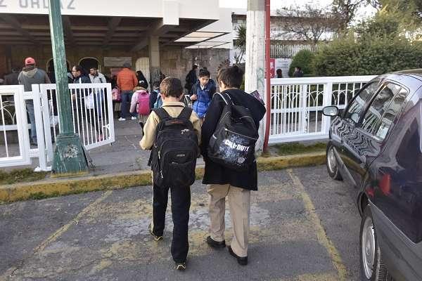 El coordinador del PRI en San Lázaro, René Juárez, explicó que en todas las propuestas de reforma constitucional se trabajará con PAN, PRD y MC. Foto: Cuartoscuro