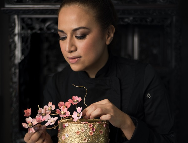 Lineth Javier cuenta con estudios en repostería en Paris y Francia, destinos logro desarrollar un estilo único en la preparación y diseño de pasteles. Foto: Cortesía