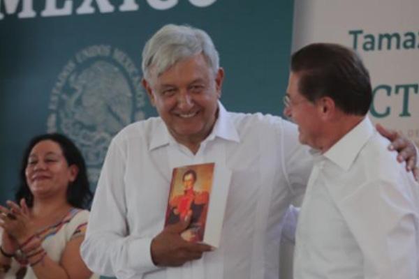 El gobernador de Durango se reunió con el Presidente. FOTO: PRESIDENCIA