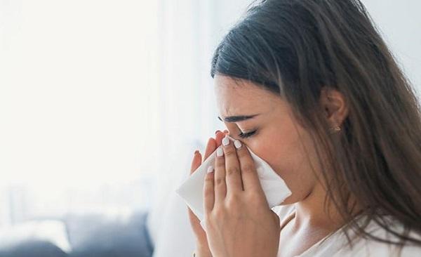 Existen dos tipos de sinusitis: la aguda, que no se extiende por más de tres o cuatro semanas y la crónica, la cual se caracteriza por el agravamiento de la inflamación y la persistencia de la enfermedad por más de tres meses. Foto Especial