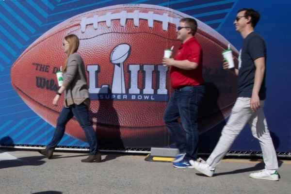 Los Patriotas y Rams se verán las caras a partir de las 5 de la tarde. Foto: EFE