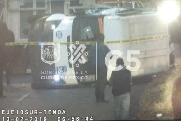 Las autoridades pidieron a los automovilistas tomar precauciones. Foto: C5