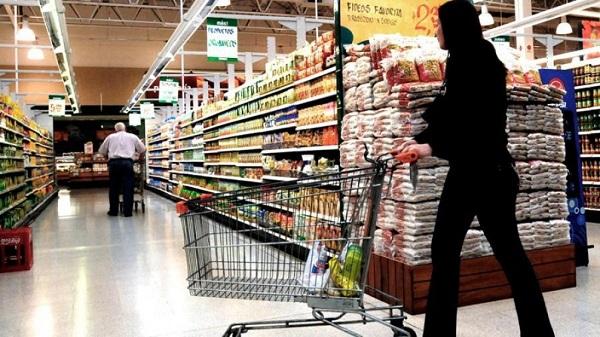 Las tiendas totales, aquellas que incluyen a las unidades abiertas en los últimos 12 meses, reportaron un incremento de 6.4 por ciento anual durante el mes pasado. Foto: Cuartoscuro