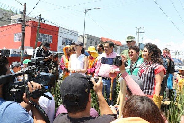 Los alcaldes de Iztapalapa y Nezahualcóyotl, participaron junto con la jefa de Gobierno en el décimo quinto sábado de tequio. Foto: @Claudiashein