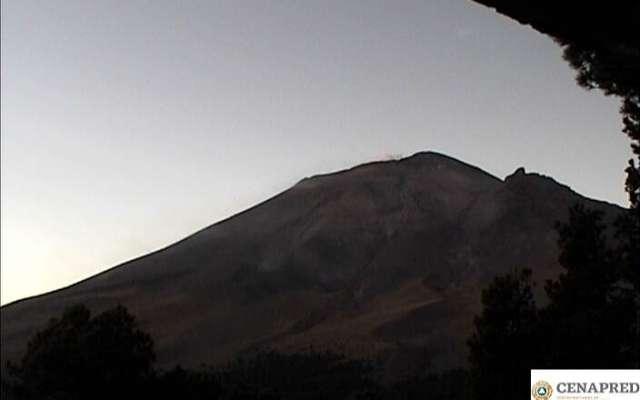 El radio de seguridad en torno del volcán continúa siendo de 12 kilómetros. Foto: @PC_Estatal