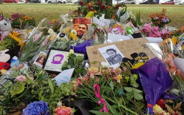 Jacinda Ardern pidió dejar de hablar del agresor y mejor recordar a las víctimas. Foto: AFP