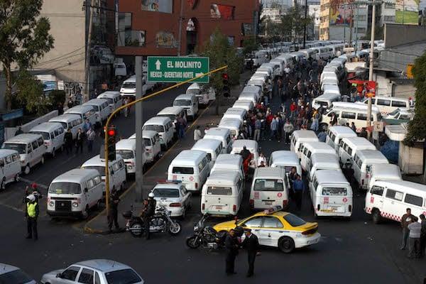 Unidades de transporte público del Estado de México. Foto: Cuartoscuro.