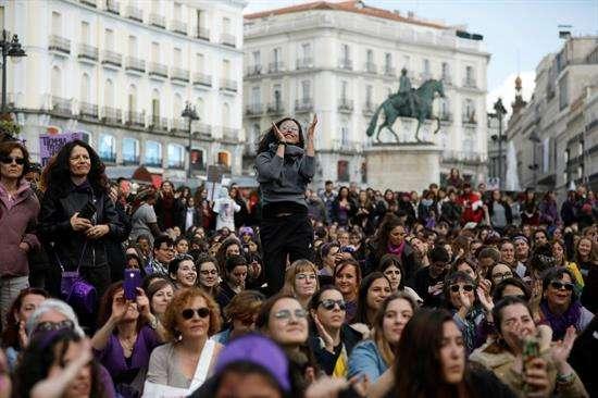350 mil mujeres salieron a la calle en Madrid, según fuentes policiales.FOTO: EFE