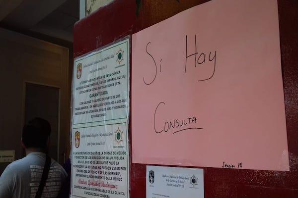 Desde el jueves, empleados se manifiestan en el nosocomio. Foto: Paris Salazar