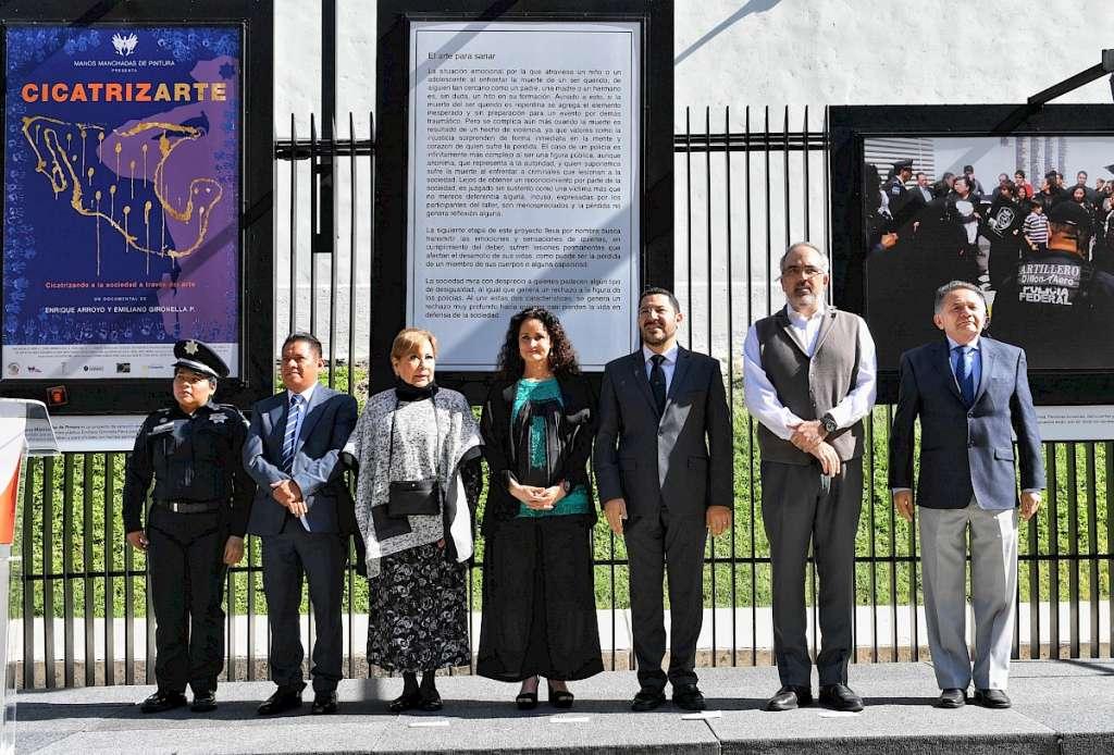 Las imágenes se exhiben en lagalería externa de la Cámara de Senadores.  Foto: Victor Gahbler