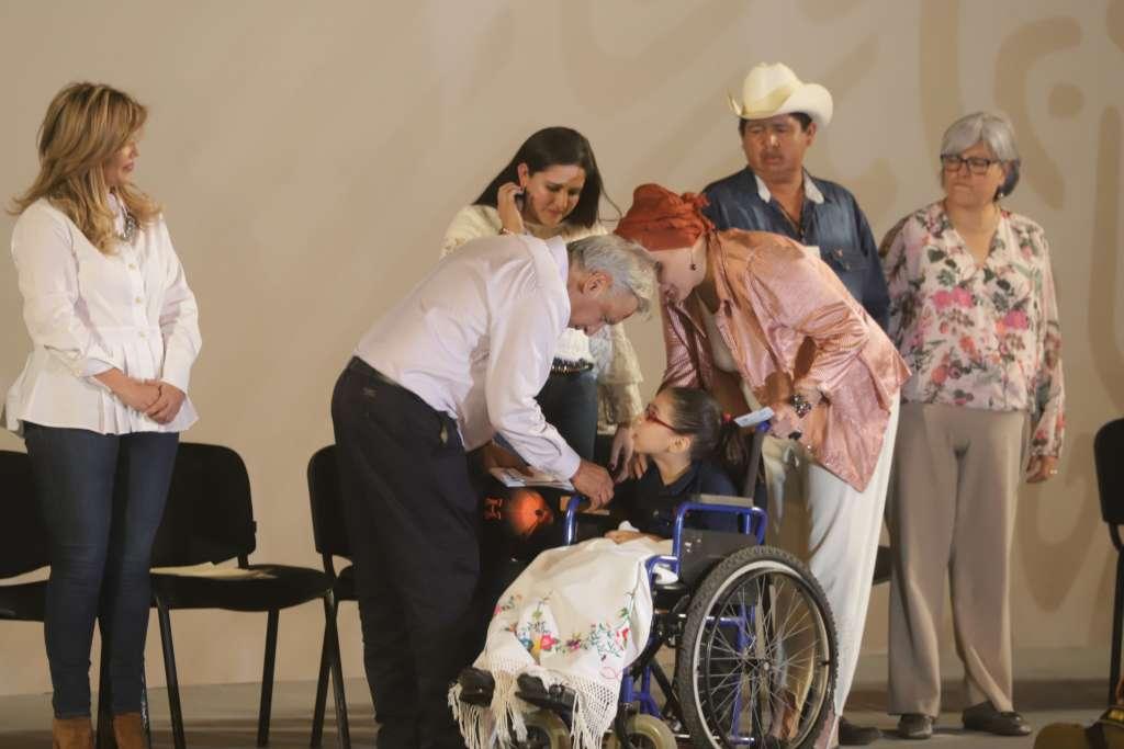 En la Universidad de Sonora, el presidente Andrés Manuel López Obrador encabezó un evento sobre programas sociales federales. FOTO: NOTIMEX