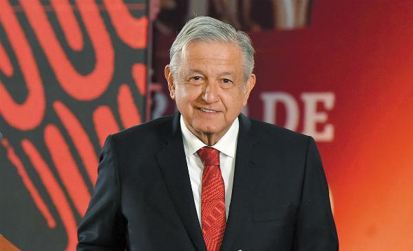 El jefe del Ejecutivo mantenía una actitud positiva durante la conferencia mañanera, que duró 12 minutos, previo a su informe. Foto: Pablo Salazar