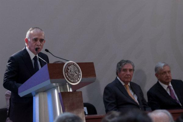 """""""Vamos a tratar de que la industria mexicana sea cual sea su rubro, participe activamente"""", dijo Alfonso Romo FOTO: Cuartoscuro"""