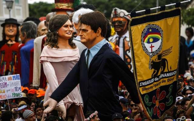 Jair Bolsonaro ha sido víctima de varias parodias durante el carnaval. FOTO:AP