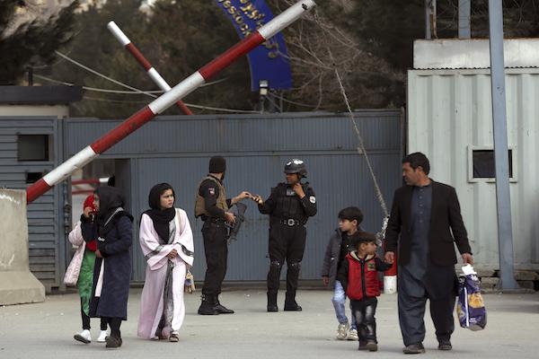 Ningún grupo se ha atribuido el ataque en Afganistán. Foto: AP