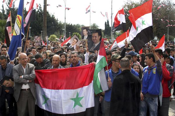 Miles de sirios han tomado las calles para protestar por la decisión tomada por el presidente de Estados Unidos. Foto: AP
