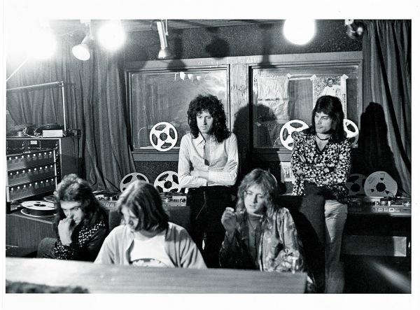 BANDA. Brian May, Freddie Mercury, John Deacon y Roger Taylor. Foto: Especial