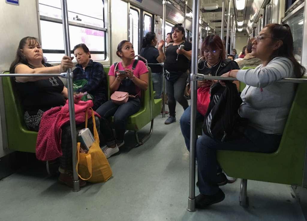 La llegada de los trenes tarda entre dos y cuatro minutos. Foto: Cuartoscuro