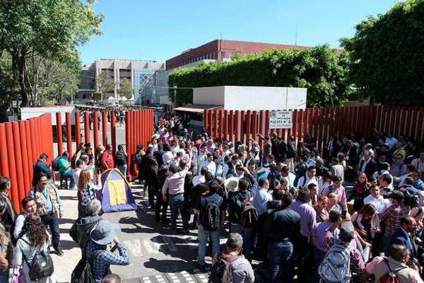 Las puertas peatonales y vehiculares de San Lázaro que fueron liberadas, son las de la calle Sidar y Rovirosa y avenida Congreso de la Unión. FOTO: ESPECIAL