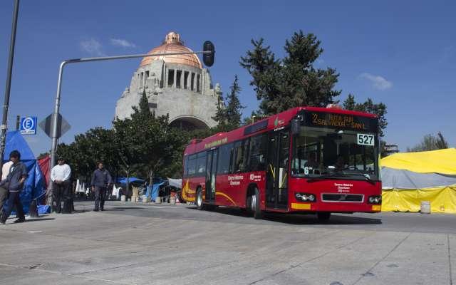 Autoridades capitalinas recomiendan no circular por la zona y ofrecen otras vialidades como alternativa. Foto: Cuartoscuro